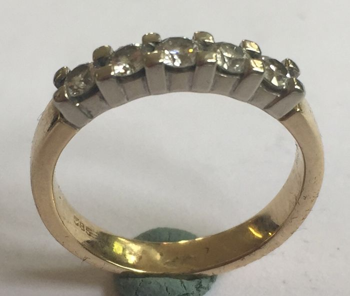 Yellow/white gold eternity ring 5 brilliant cut dimaonds = 0.35 ct VSI/Wesselton