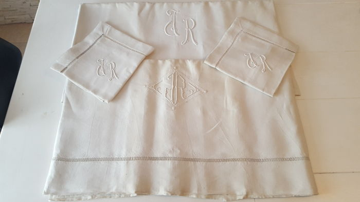 "Set of two sheets and two pillowcases monogramed JR - Métis in lin - Brummell House ""Au printemps"" Paris"