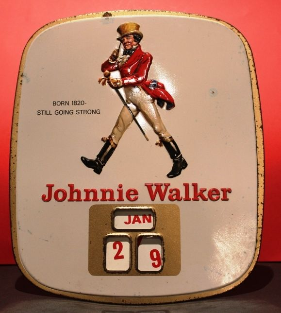 Perpetual calendar in enamelled plate Johnnie Walker  Original, vintage, 1960s