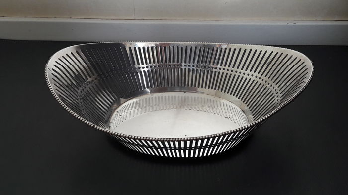 Silver bread basket, H. Schriek, Schoonhoven, The Netherlands, second half 20th century