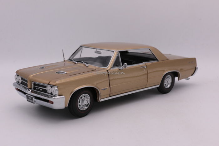 Sunstar - 1:18 - Pontiac GTO - 1964 - Color Gold