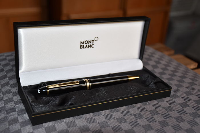 Lot of 6 MONT BLANC pens