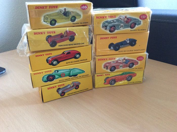 Atlas - Dinky Toys - Scale 1/43 - lot of 9 Dinky toys: 9 sports cars