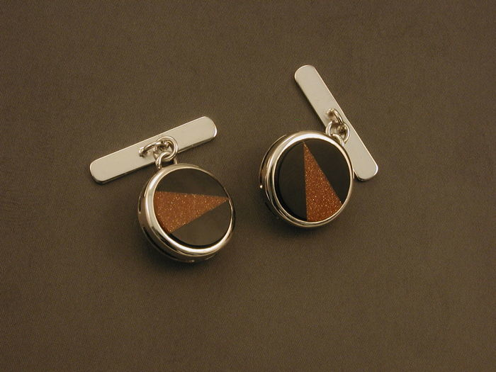 Cufflinks in 18 kt white gold, hallmarked, 750/1000 - total weight: 8.90 g - total length of each cufflink: 2.1