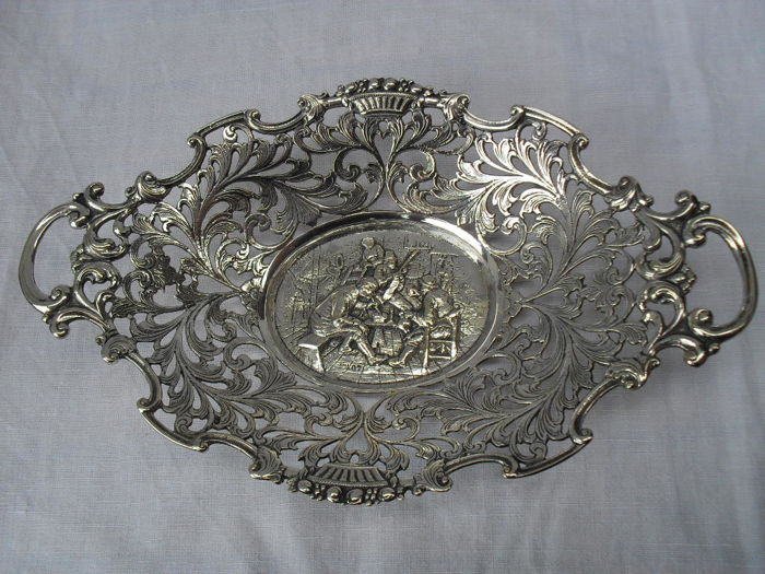 Very beautiful Richly decorated Heavily silver plated Cream puff basket