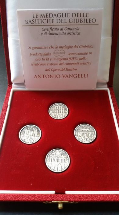 "Italy – Case with 4 ""Jubilee"" medals – Silver"