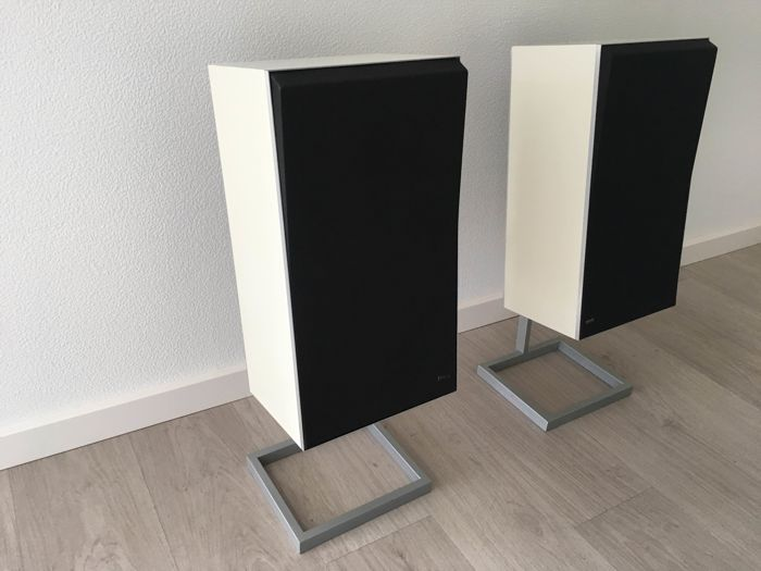 Bang & Olufsen S45-2 hi-fi speakers, white
