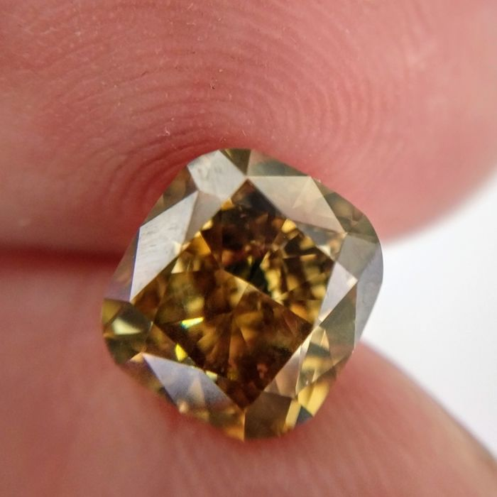 2.64 Carat Natural Diamond Fancy Deep Yellow-Brown VVS2 GIA Certificate included