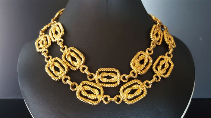 Rare MIMI di N (Princess Mimi di Niscemi) 18kt gold plated Textured long Necklace from 1960's with Serial Number