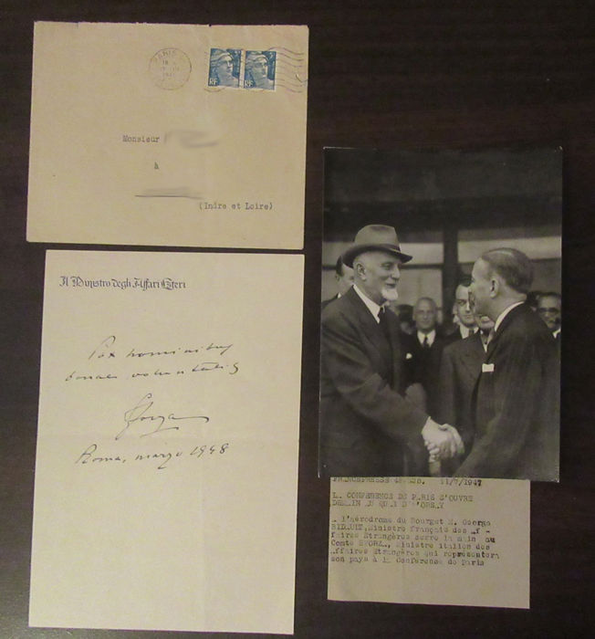 Autograph of the Count of Sforza, former Italian Minister of Foreign Affairs, dated 1948, with an original photography of the AFP dated July 11th, 1947