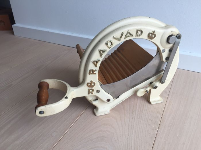 Mid-century Raadvad cream coloured bread slicer, good condition