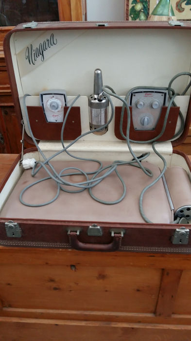 Case with massage set - Niagara briefcase with massage set, 1920s-1930s