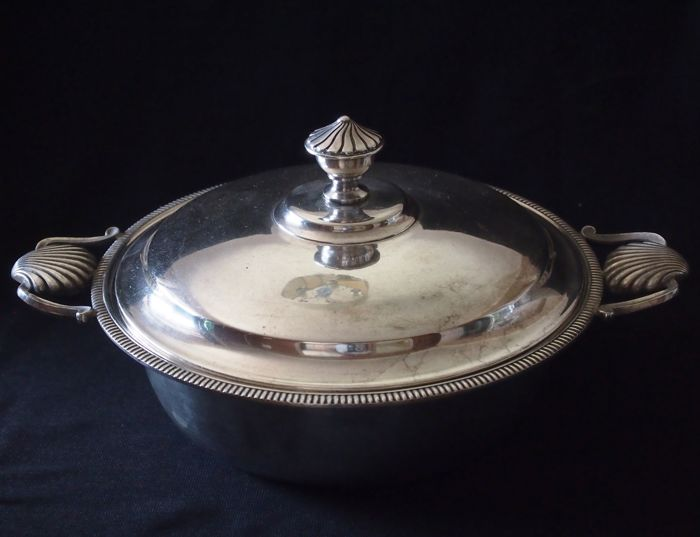 Beautiful period soup tureen, hallmarked by the silversmith, MILLECHORT 3