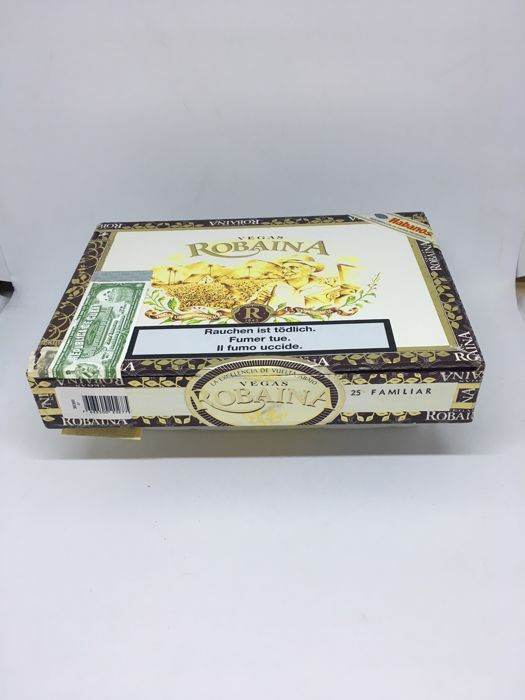 Box of 25 cigars Vegas Robaina Familiar 2007