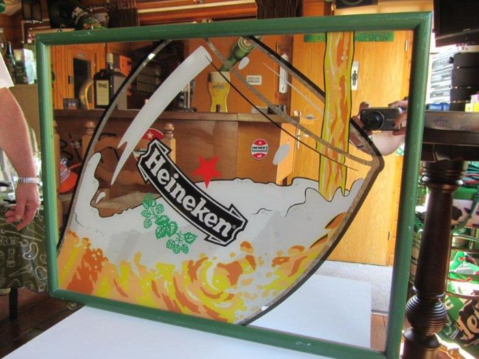 Heineken, mirror light tv panel