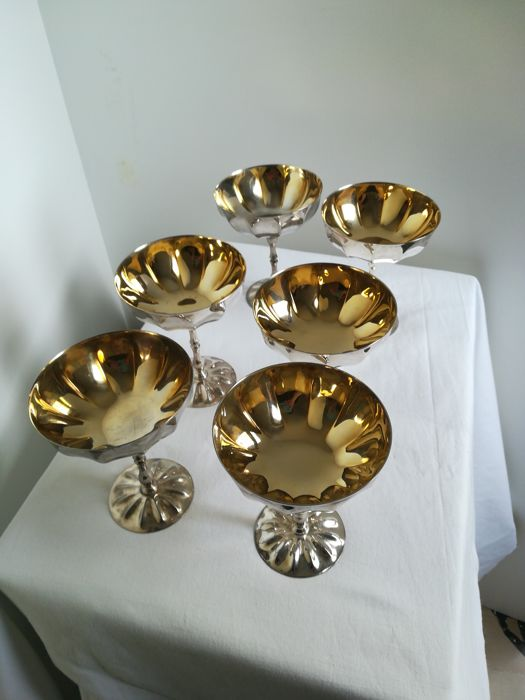 Lot consisting of 6 champagne cups - brand Regal Prestige - 24kt gold and 1000 silver plated