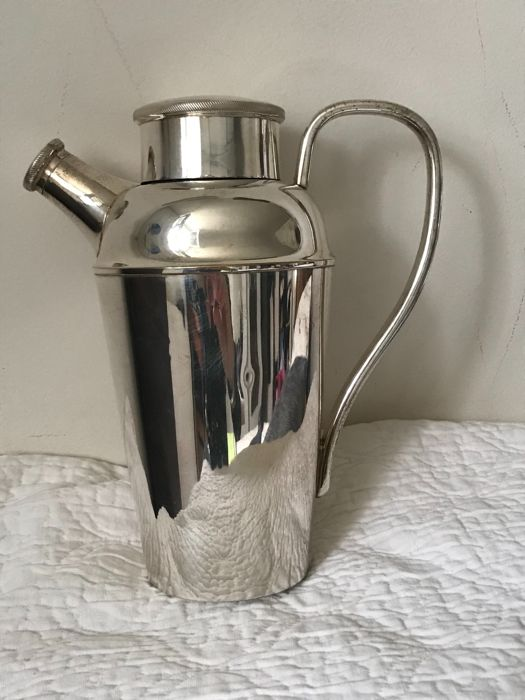 Silver plated metal shaker (Osiris Industria Argentina)