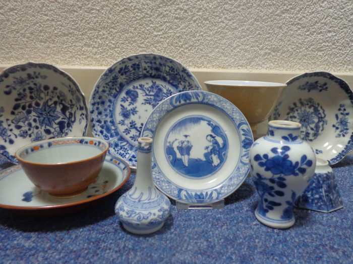 lot blauw wit porselein - China - 17e / 18e eeuw