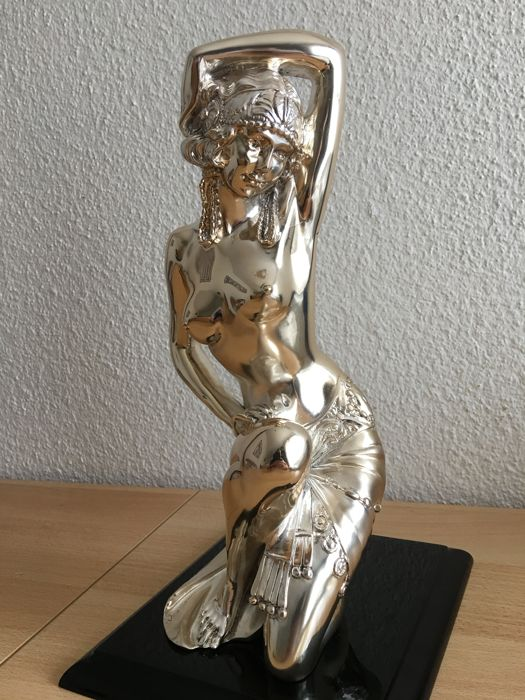 Gorgeous large silver Sculpture. Appraised by an expert. Female Nude Circa 1990