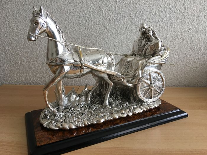 Gorgeous large silver Sculpture. Appraised by an expert. Lovers in a horse-drawn carriage Circa 1990