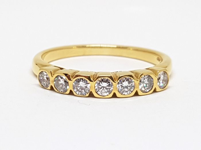 18 kt. Gold - Ring - 0.70 ct Diamond