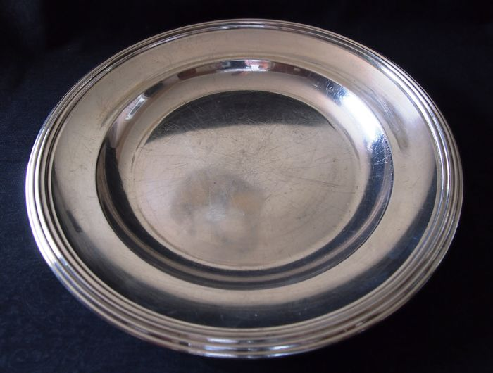 CHRISTOFLE Presentation dish, silver plated metal with decorative border Signed