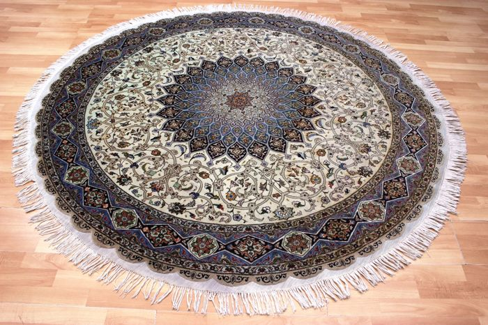 Round 1950s Tabriz with silk, Iran - Ø 202 cm