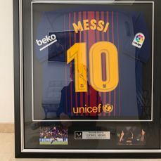 FC Barcelona framed shirt signed by Leo Messi with an Icons certificate