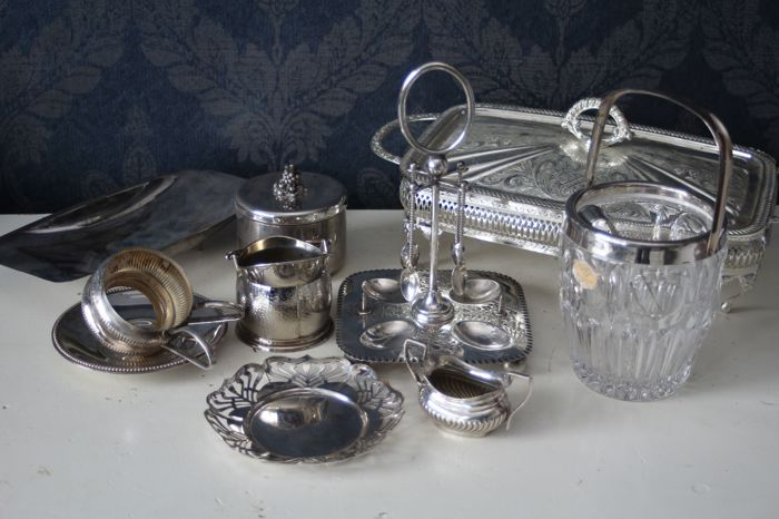 Extensive composite lot of silver plated objects, United Kingdom & Germany, early tot mid 20th century