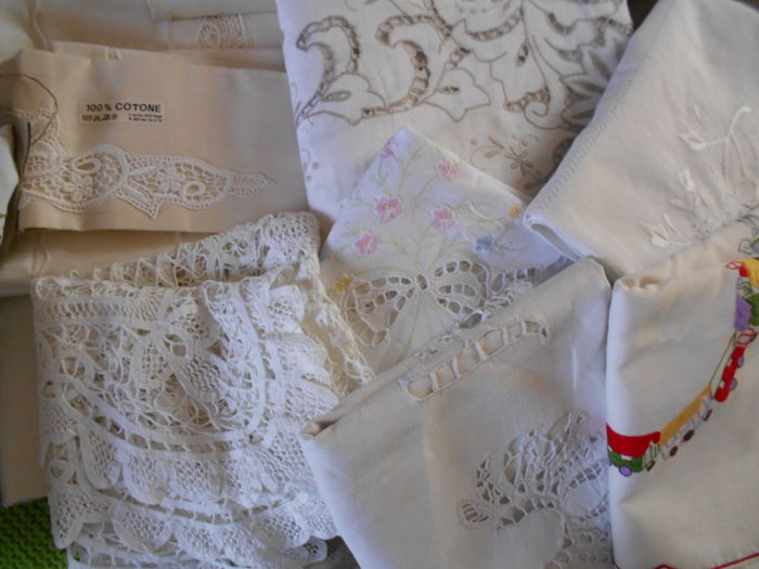 A large Shabby Chic lot consisting of a large tablecloth made in Madeira embroidery!!!