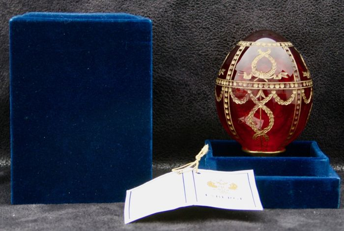 Fabergé Imperial Egg with case and 'Impérial Rosebug Egg' certificate N°83