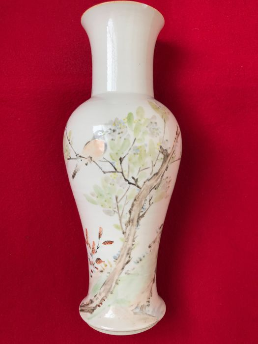 Large Qianjiang baluster vase decorated with a bird - China - Before 1890