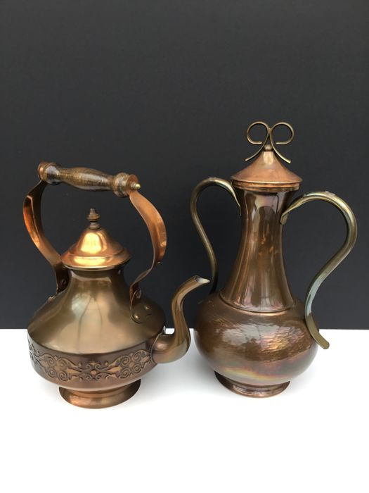 Old copper tea pot with wooden handle + copper vase with cover marked Gekra