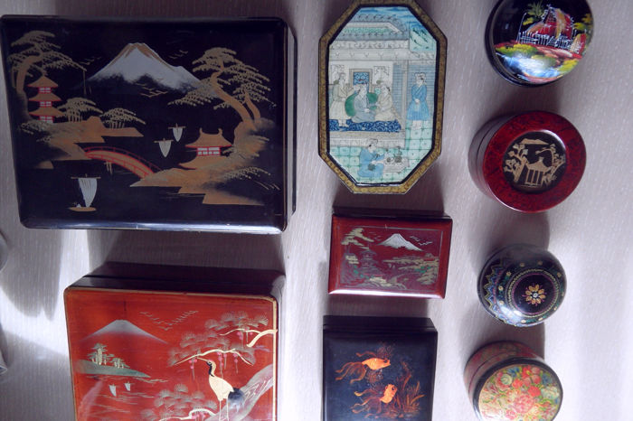 Collection of Asian wooden varnished boxes with hand-painted decoration - China/Japan - as of mid 20th century