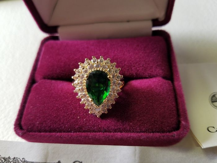 Jaqueline Onassis Kennedy large emerald glass ring - Large cocktail ring - Vintage