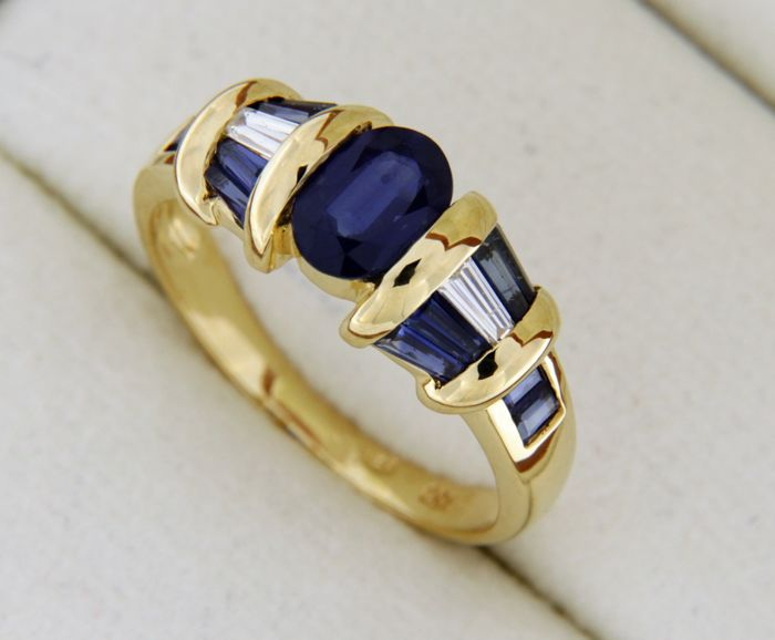 2.55 ct Sapphires and Diamonds - Jewellery ring in 18 kt yellow gold