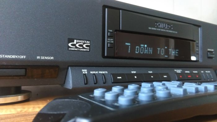Philips DCC 951 The Best Player From In Perfect Condition With 10 New