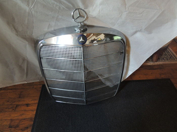 Mercedes front grill 60s