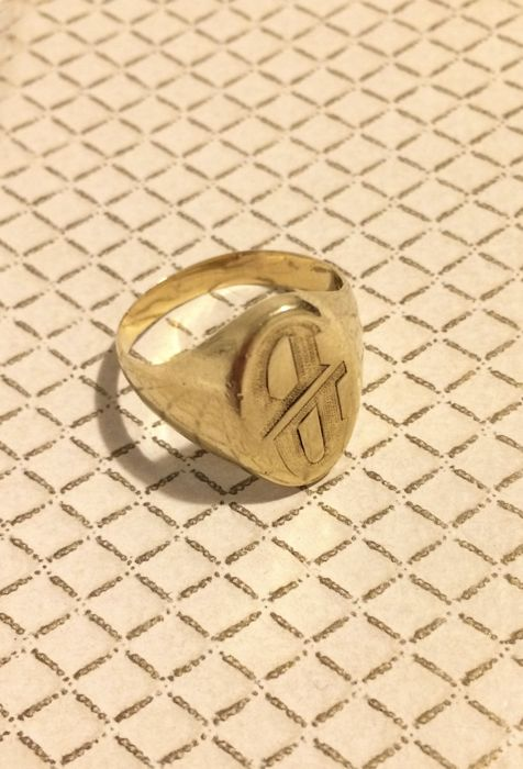 Signet ring in 18 kt 750 solid gold, inscription: letter DD