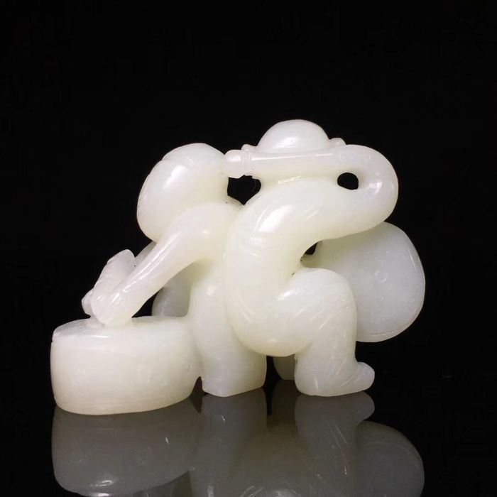 Jade figurine - China - late 20th century