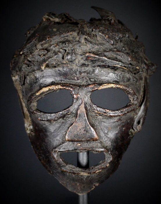 "Insolite African Tribal  ""Nyau Azungu"" - ""the white man"" SUKUMA  Nyamwezi ( Makonde ) Mask. Tanzania and Northern Mozambique."