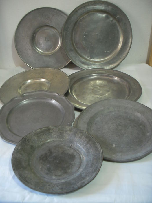 Lot of seven antique plates in pewter - 18th and 19th centuries, Germany and Italy (7)