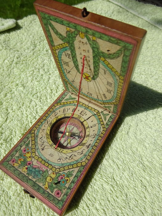 Horizontal diptych sundial made of fruitwood with paper dials and a compass, 18th century