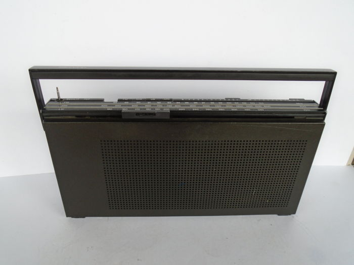 Portable B&O BeoLit 707 from 1974 with FM