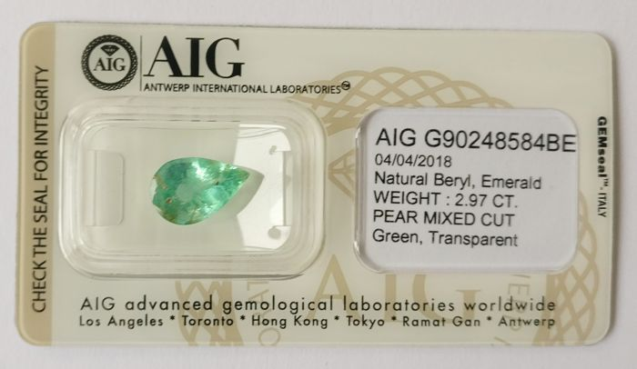 Emerald Green 2.97 ct *** No Reserve ***
