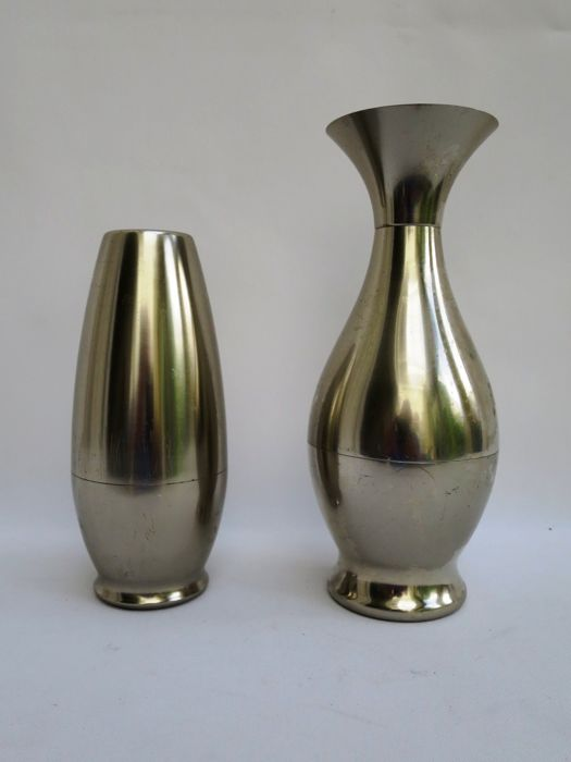 Dovo 2 Decorative Metal Vases Catawiki