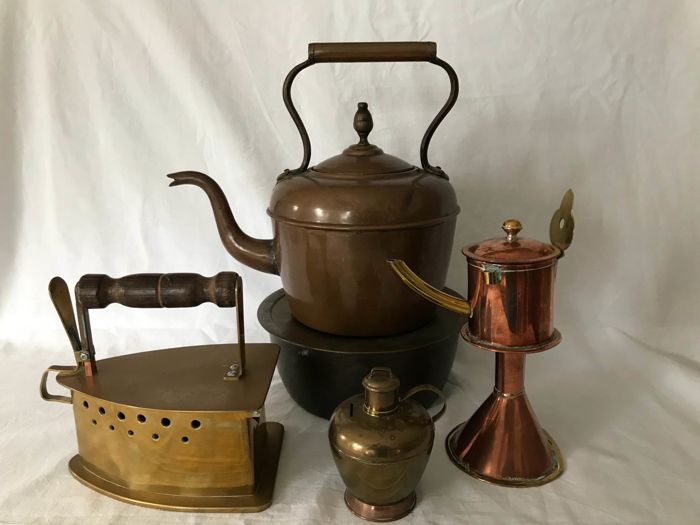 Beautiful set of a copper kettle and stove – oil lamp-clothing iron – milk canister piggy bank - the Netherlands - 1st half and 2nd half of 20th century.