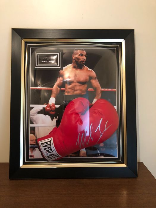 Mike Tyson signed framed PSA/DNA-approved Everlast Boxing Glove with COA