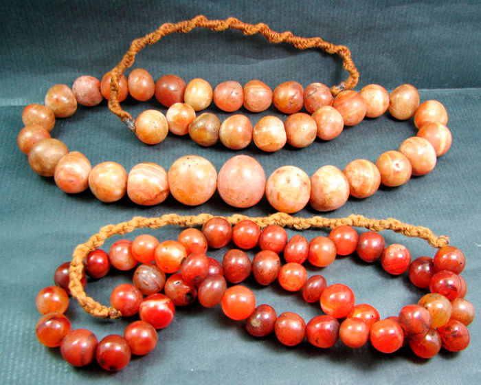 A lot of 2 Carnelian prayer bead necklace's - Himalayan regions - late 20th century.