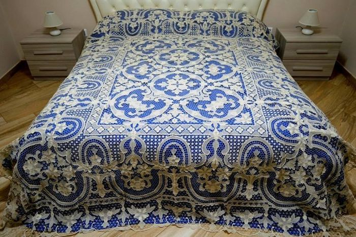 Museum-quality bedspread, entirely hand-embroidered with Burano Venice technique